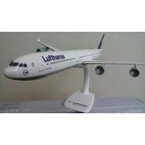 A340-600 Luthansa Esc. 1:200