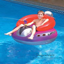 Inflable En Forma De Nave Espacial Con Pistola De Agua