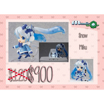 Vocaloid: Snow Miku Fluffy Coat Version Nendoroid Fdp