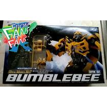 .: En Mano :. Bumblebee Transformers Dual Model Kit Dmk02