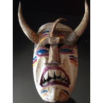 Máscara Tallado En Madera Antigua