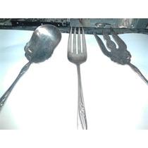 Una Cuchara Y Dos Tenedores Antiguos