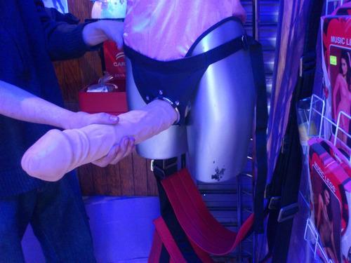 Arnes Con Dildo 32 Cm Monster Realistico Para Sexo Extremo