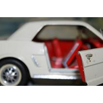 Ford Mustang 64 1/2 A Escala De Coleccion 1:18.
