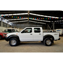 Nissan Pick Up Np 300 4x4 2011 4 Pts