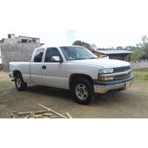 Chevrolet Silverado Cabina Y Media Mod. 2001