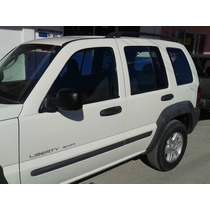 Vendo Jeep Liberty 2003 4 Por 4