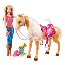 Barbie Feed & Abrazo Tawny Caballo Y Doll Playset