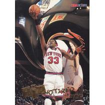 1996-97 Hoops Hipnotized Patrick Ewing Knicks