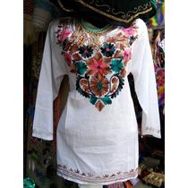 Blusa Blanca Bordada A Mano Con Diferentes Colores