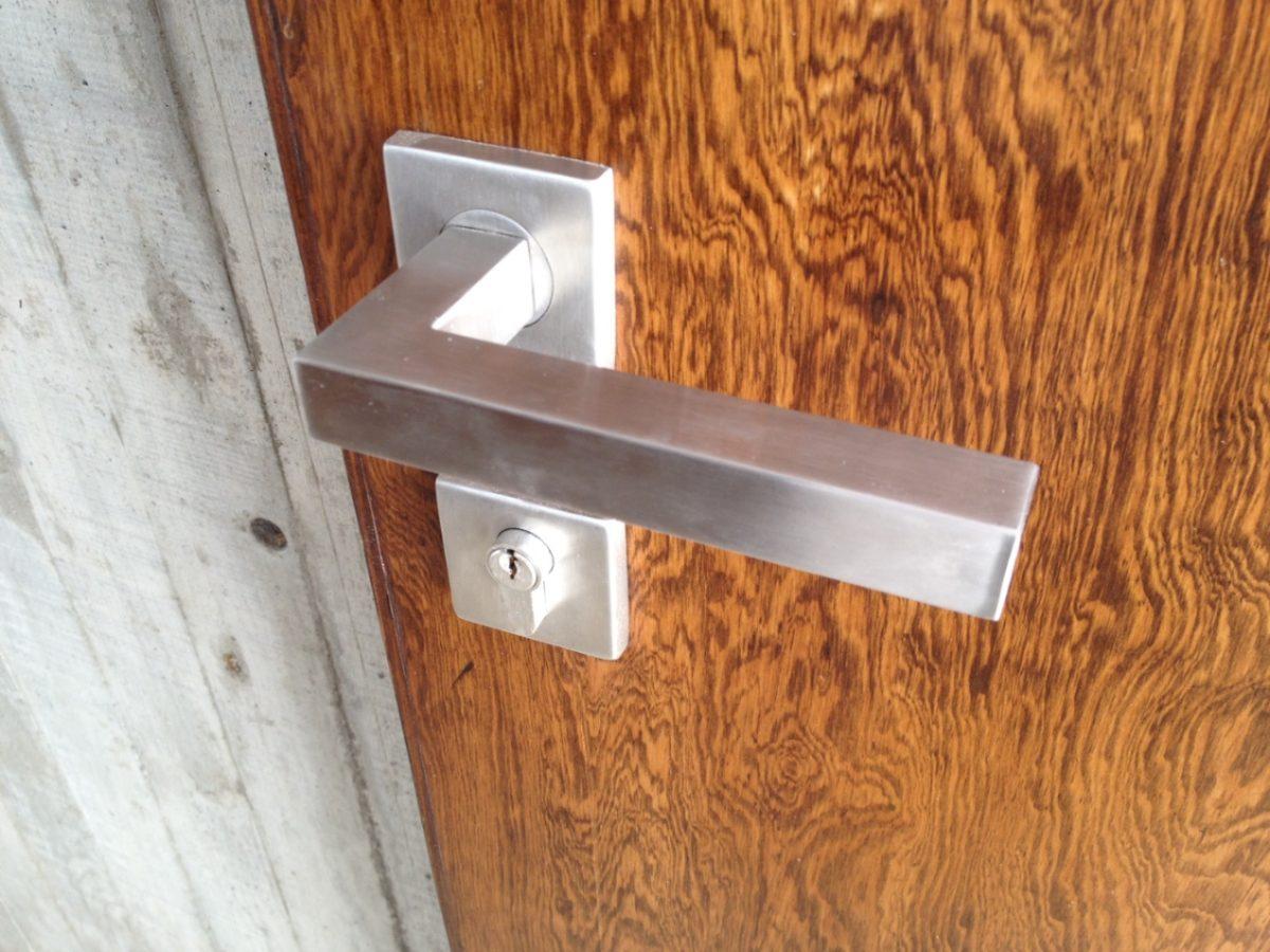 Puertas De Baño Minimalistas:Chapa Minimalista Recamara Baño Puerta Principal Mazcomer – $ 74000