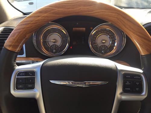 Chrysler 300c Lujo 2012