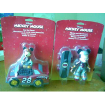 Son 2 Figuras De Mickey Mouse