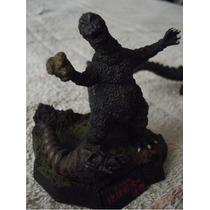 Godzilla / Figurita De Godzilla Y La Mariposa Mothra