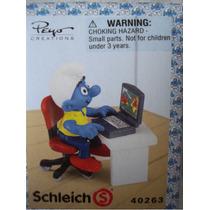 Pitufo Con Su Computadora Figurita De Plastico