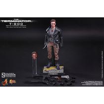 Terminator T-800 Hot Toys Version Battle Damaged