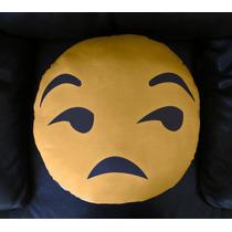 Cojín Decorativo Cara Amarilla Emoticon Whatsapp