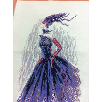Cuadro En Punto De Cruz Mujer Con Vestido De Carnaval