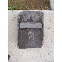 Métate Con Piedra Tipo Rectangular Todo Muy Antiguo Usandose