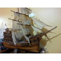 Antiguo Barco Galeón Español De Madera