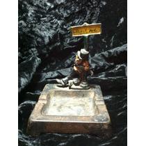 Cenicero Metalico Wilton De Hombre Borracho