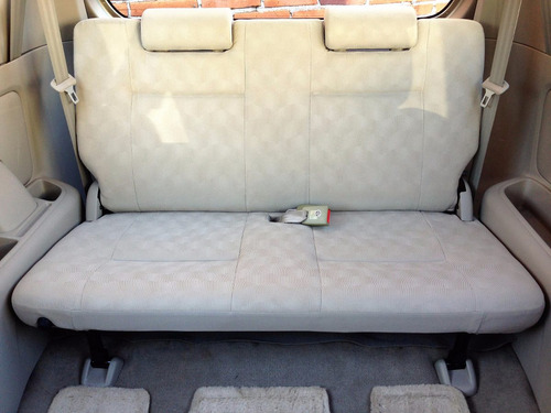 Espectacular Toyota Avanza Premium Manual 2010