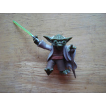 Yoda Con Sable Y Baston Mide 7 Cms