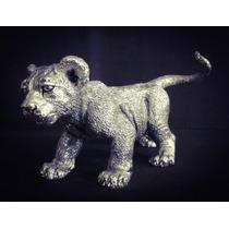 Figura Decorativa Cachorro De León Plata 999 Electroformado