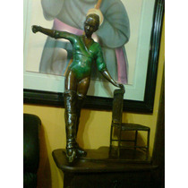 Preciosa Escultura De Bronce De Una Bailarina. Firmada