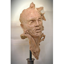 Fabulosa Escultura De Resina Con Amaranto
