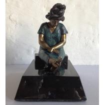 Escultura Mujer Indígena, Hecha De Bronce, Base De Mármo Op4