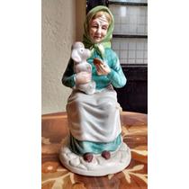 Viejita Con Perro Figura De Porcelana Antigua
