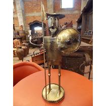 Escultura Artesanal De Don Quijote De La Mancha En Metal.
