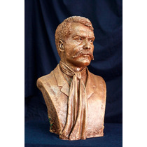 Busto Del Caudillo Emiliano Zapata En Fibra De Vidrio.
