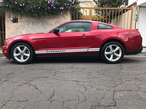 Ford Mustang 2p Lujo V6 2012