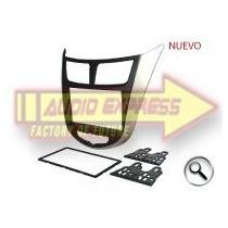 Base Frente Estereo Chrysler Hf0681dd Attitude 2011 A 2014