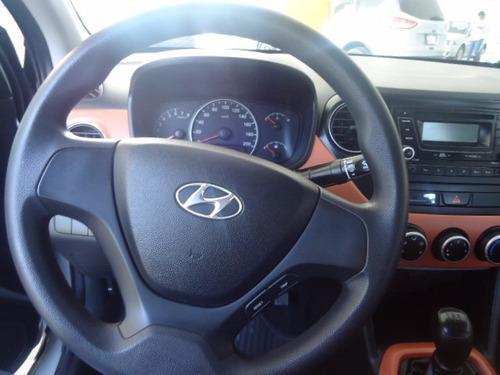 Hyundai Grand I10 2015 Plata 4 Puertas
