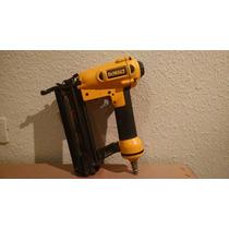 Pistola De Clavos Dewalt D51238 Calibre 18 5/8 A 2 Pulgadas