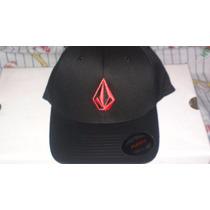 Gorra Negra Volcom Cerrada, Logo Rojo, Nueva, Tamaño S-m