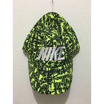 Gorra Nike Swoosh