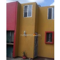 Casa Sola En Blanco Fovissste, Las Lluvias
