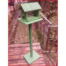 Casa Comedero Para Aves Con Pedestal