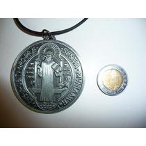 Moderno Dije Medalla Metalica De San Benito 6cm