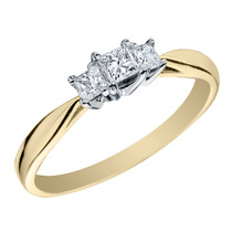 Anillo De Compromiso Corte Princesa Tres Diamantes Stone Y A