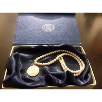 Hermoso Collar De Perlas Cultivadas Con Medalla En Plata