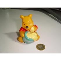 Juguete Vintage Winnie The Pooh Pequñito Con Su Miel Vinil