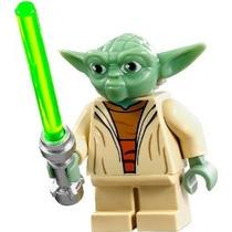 Lego Star Wars Clone Wars Minifigure - Yoda Con Lightsaber