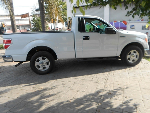 Lobo 4x2 Cabina Regular
