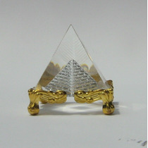 Piramide De Cristal Base Metalica
