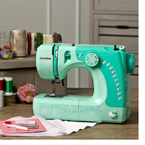 Tm Maquina Janome 11706 3/4 Size Hello Kitty Sewing